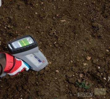 Как в домашних условиях определить кислотность почвы?