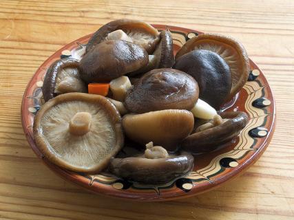 Как приготовить квашенные грибы